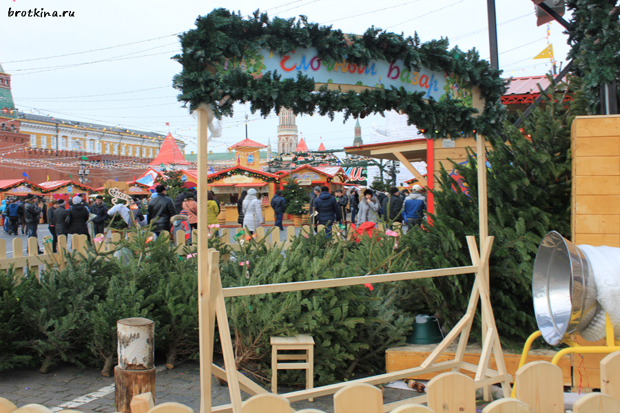 Елочный базар на Красной площади