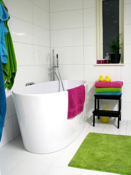 Дом в Швеции. Детская ванная комната
