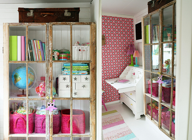 Чемоданы и сундуки в детских комнатах